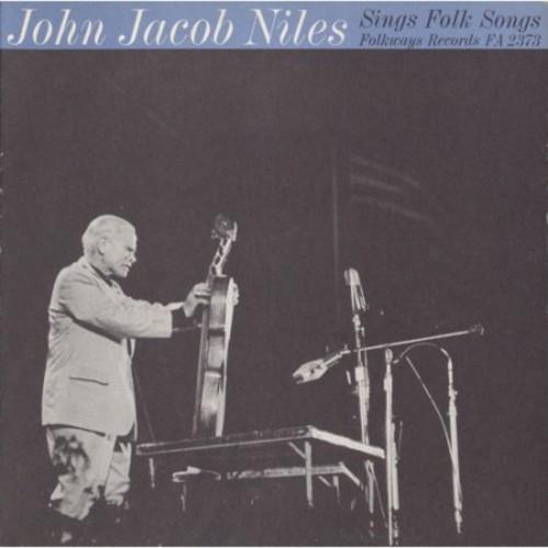 Sings Folk Songs [CD]