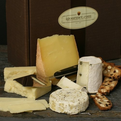 Artisan American Cheese Assortment in Gift Box (27 ounce)