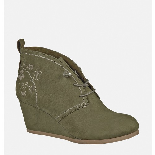 Misty Embroidered Wedge