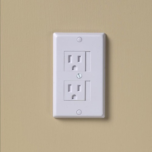 KidCo 3-pk. Universal Electrical Outlet Cover