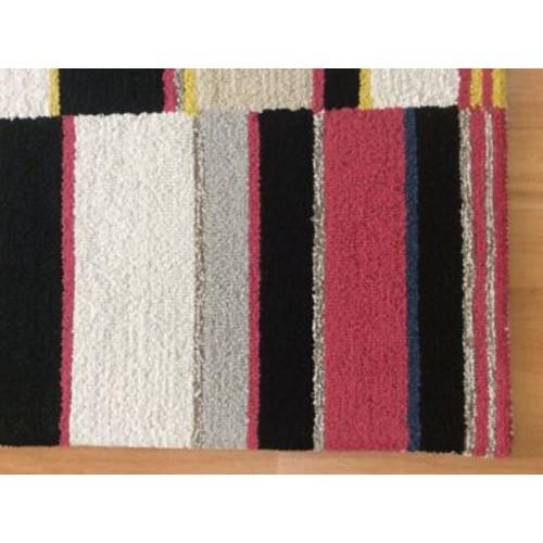 Eastern Weavers Wool Hand-Tufted Red/Black Area Rug