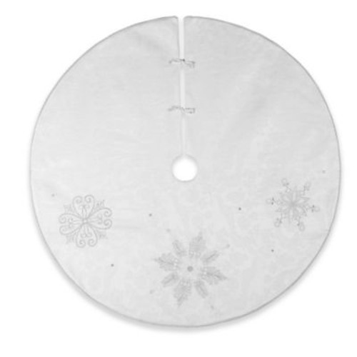 C&F Home Silver Frost Christmas Tree Skirt in White