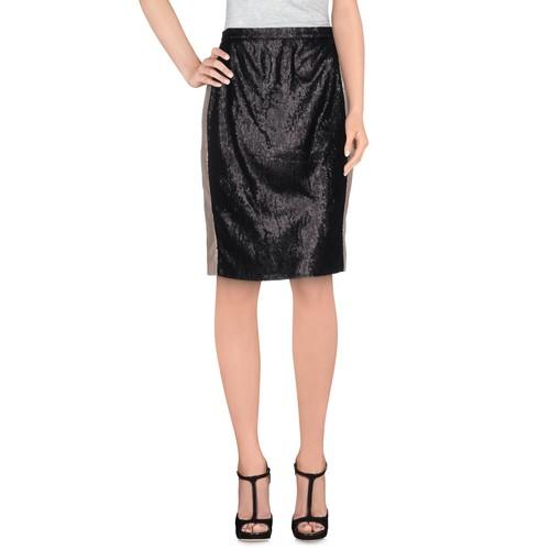 28.5 Knee length skirt