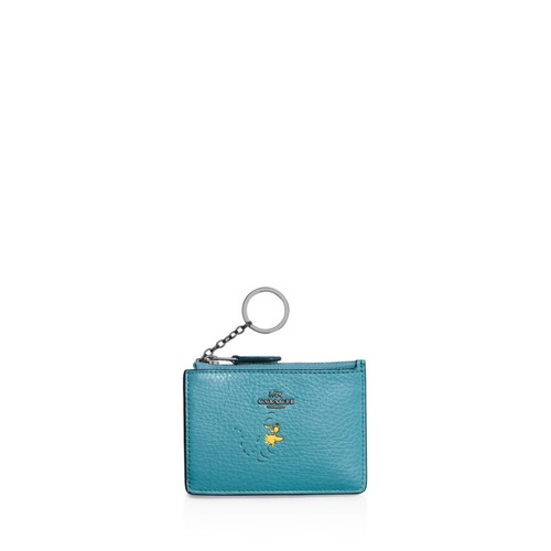 Boxed Mini Skinny ID Case in Refined Natural Pebble Leather with Snoopy
