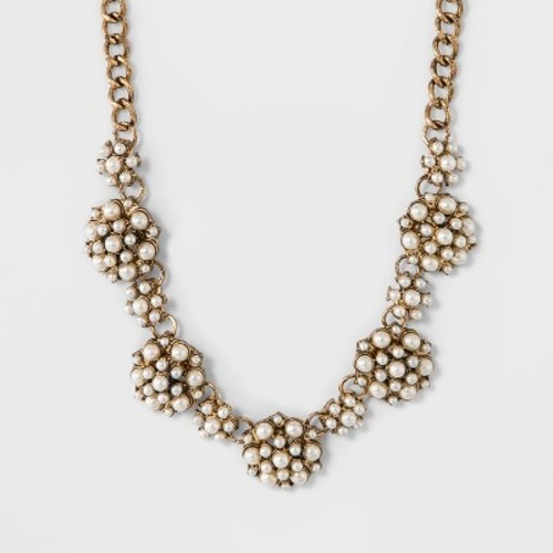 Women's Necklace with Metal Choker and Simulated Pearls - White