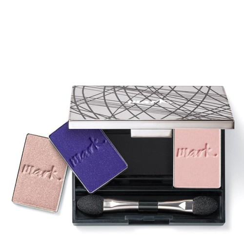 mark. By Avon Clique It Compact