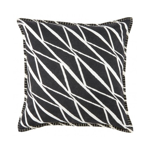Essie Pillow, Black and White