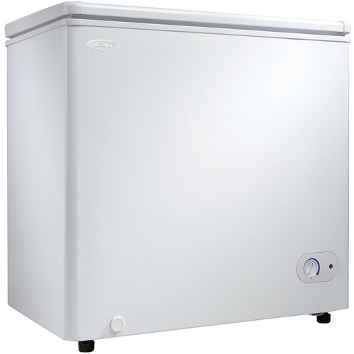 5.5 Cu.Ft. Chest Freezer 1 Basker Up Front Temperature Control