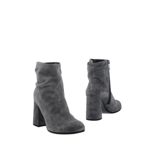 ENTOURAGE Ankle boot