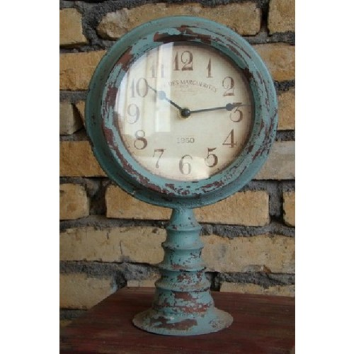 North American Country Home Vintage Mantle Clock