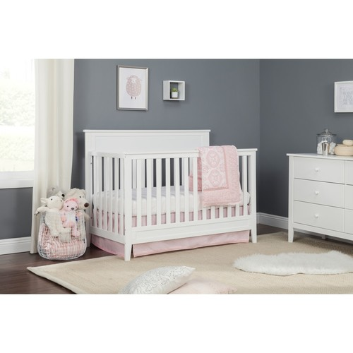 Carter's by DaVinci Connor 4-in-1 Convertible Crib