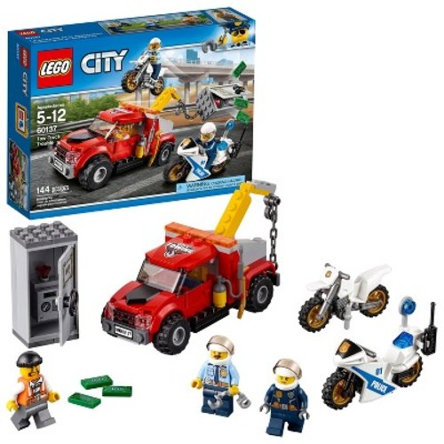 LEGO City Police Tow Truck Trouble (60137)