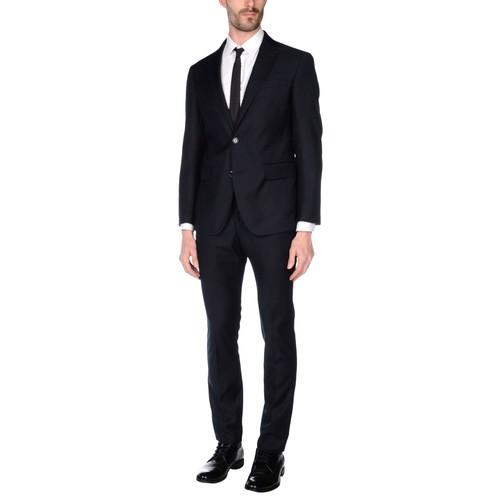 TWENTY-ONE Suits