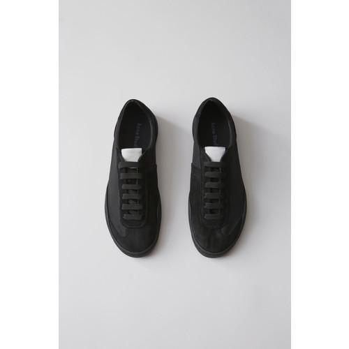 Lars black/black