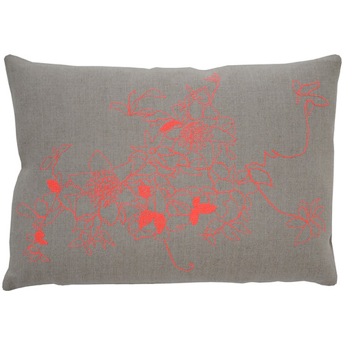 Clematis Pillow [Fabric and Stitch : Hemp\/Black Stitch]