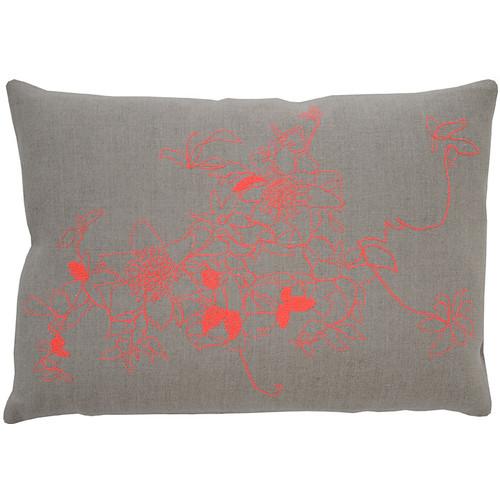 Clematis Pillow [Fabric and Stitch : Hemp\/Black Stitch]