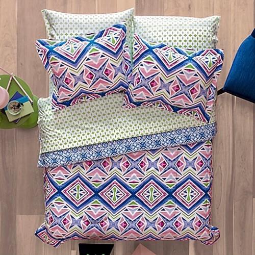 Aropostale Kaleidoscope 7-Piece Reversible Full Comforter Set in Pink/Blue