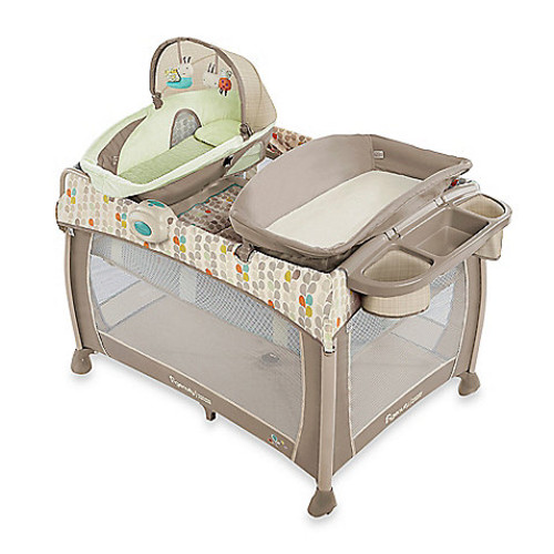 Ingenuity Washable Playard DeluxeWith Dream Centre in Seneca