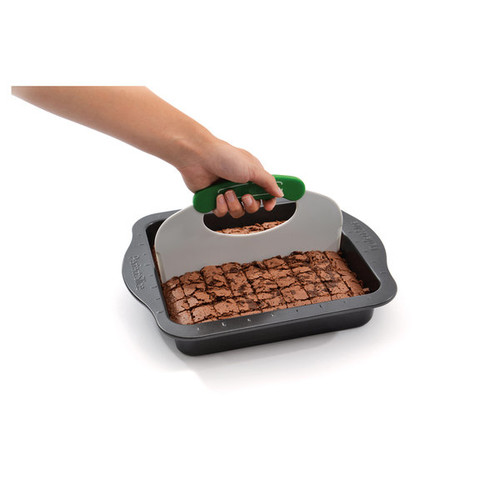 PerfectSlice Square Cake Pan with tool