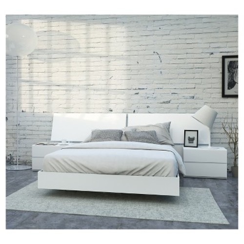 District 4 Piece Queen Size Bedroom Set - Nexera