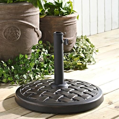 Walker Edison Round Umbrella Base in Antique Bronze [Bronze, One Size]