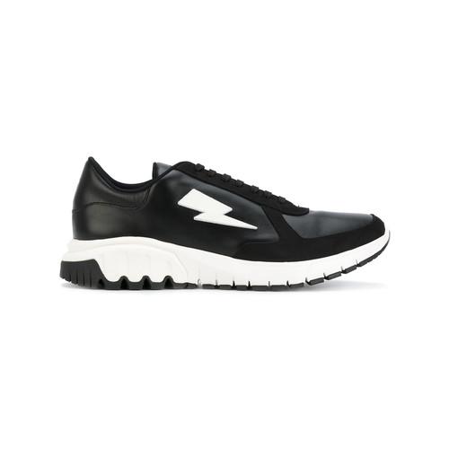 Thunderbolt Urban Runner sneakers