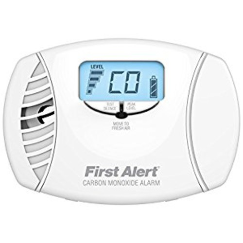 First Alert CO615 Dual-Power Carbon Monoxide Plug-In Alarm with Battery Backup and Digital Display [1 Pack]