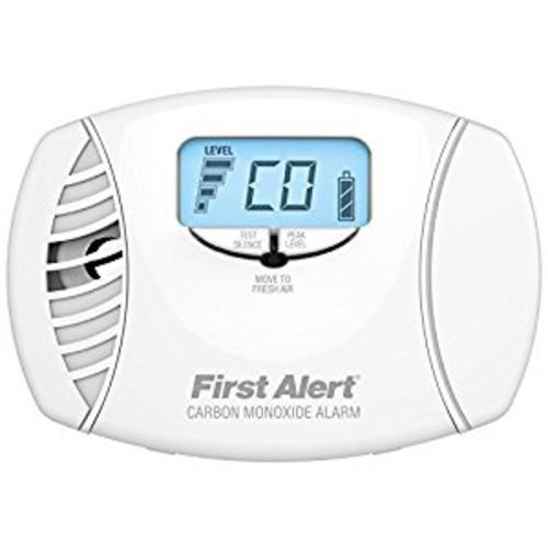 Plug-In Carbon Monoxide Alarm with Battery Backup & Backlit Digital Display