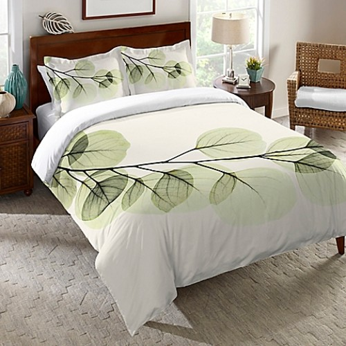 Laural Home Eucalyptus X-Ray King Duvet Cover in Green