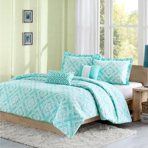 Intelligent Design Natalie Comforter Set