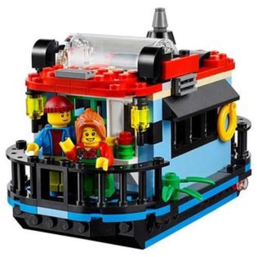LEGO Creator Lighthouse Point 528 Piece Building Kit