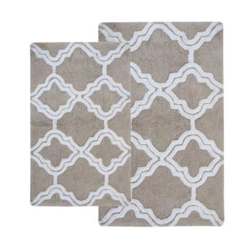 Chesapeake Merchandising Double Quatrefoil Lunar Grey 2 ft. x 3 ft. 4 in. 2-Piece Bath Rug Set